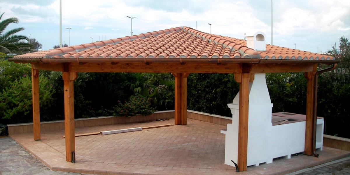 Gazebo in legno chiuso 28 images tetti in legno gazebo for Gazebo legno arredamento